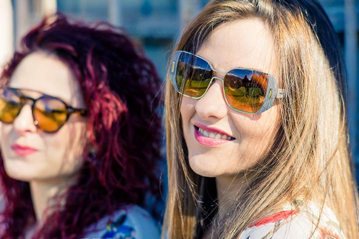 3720e14467053 A more feminine take on the double bridge which is not so bold in this  style. The lenses are lined with a border in acetate that shows the arm  attachment as ...